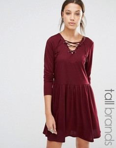 Короткое приталенное трикотажное платье со шнуровкой Brave Soul Tall - Красный