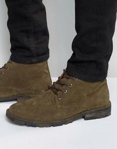 Замшевые ботинки чукка цвета хаки на камуфляжной подошве ASOS - Зеленый