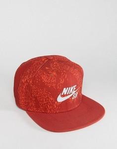 Красная кепка Nike SB Swarm 804570-674 - Красный