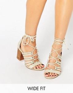 Босоножки на каблуке со шнуровкой для широкой стопы ASOS TIA - Белый