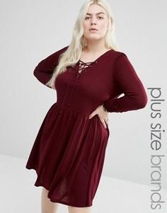 Короткое приталенное платье из трикотажа со шнуровкой спереди Brave Soul Plus - Красный