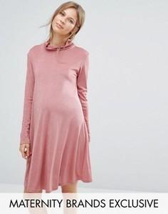 Свободное платье для беременных с высокой горловиной Bluebelle Maternity - Розовый
