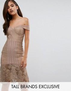 Кружевное платье-футляр с открытыми плечами Jarlo Tall - Бежевый