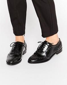 Кожаные туфли на плоской подошве с заклепками ASOS MAZZIE - Черный