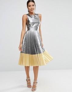 Платье миди с эффектом металлик и плиссировкой ASOS - Серебряный