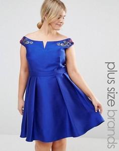 Платье мини для выпускного с открытыми плечами и цветочной вышивкой Little Mistress Plus - Синий