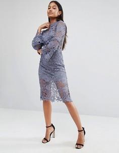 Кружевное платье с высокой горловиной и расклешенными рукавами Love Triangle - Серый