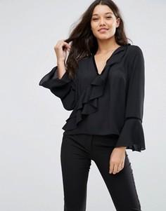 Блузка с рюшами и бархатной отделкой ASOS - Кремовый