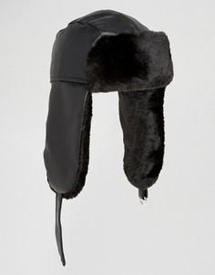 Черная шапка-ушанка из искусственной кожи ASOS - Черный