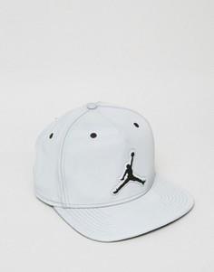Серая бейсболка в стиле ретро Nike Jordan 5 801773-096 - Серый