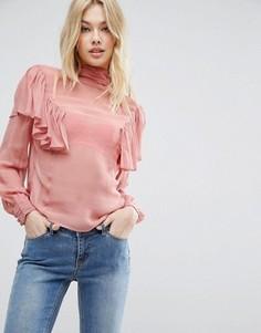 Полупрозрачная блузка с рюшами и высокой горловиной ASOS - Розовый