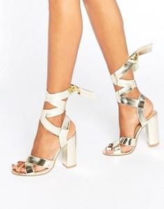 Сандалии на блочном каблуке с завязками Boohoo - Золотой