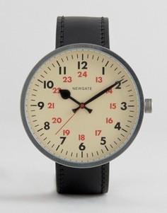 Винтажные часы с кожаным ремешком Newgate Grand Drummer - Черный