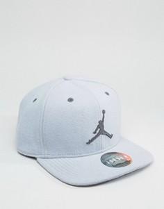 Серая бейсболка Nike Jordan 12 811461-012 - Серый