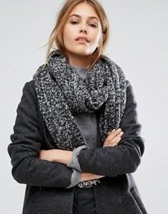 Серый меланжевый шарф с кисточками Pieces - Черный
