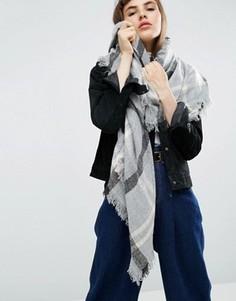 Квадратный oversize‑шарф с принтом в ломаную клетку ASOS - Серый