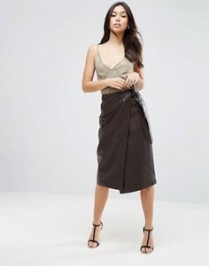 Фактурная кожаная юбка с завязкой ASOS - Коричневый