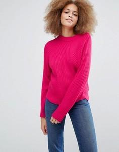 Вязаный джемпер в рубчик Monki - Розовый