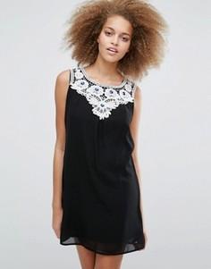 Платье с кружевной отделкой на груди Pussycat London - Черный