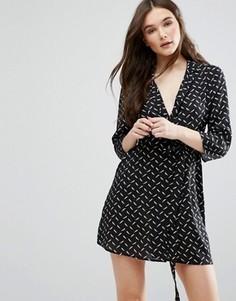 Платье-рубашка с поясом на талии Influence - Черный