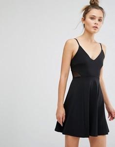 Короткое приталенное платье на бретельках с сеточкой New Look - Черный