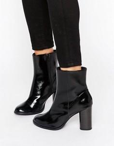 Лакированные ботильоны на блочном каблуке New Look - Черный