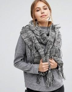 Длинный вязаный шарф с кисточками Pieces - Черный