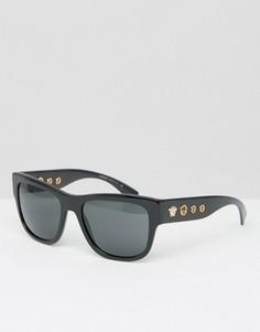 Солнцезащитные очки в квадратной оправе с заклепками по бокам Versace - Черный