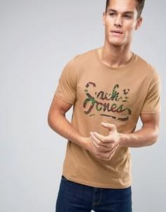 Бежевая футболка с камуфляжным принтом Jack and Jones - Рыжий