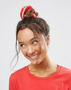Новогодняя резинка для волос с блестками ASOS - Красный