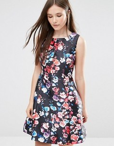 Короткое приталенное платье Darling Catriona - Черный