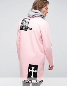 Пальто с фотонашивками Reclaimed Vintage - Розовый