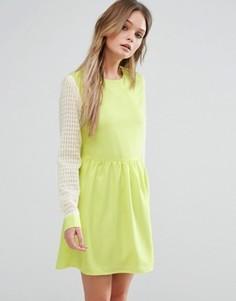 Короткое приталенное платье Jovanna Right Direction - Желтый Jovonna