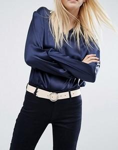 Ремень для джинсов с круглой пряжкой и уголком ASOS - Бежевый