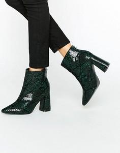 Зеленые ботильоны на каблуке со змеиным принтом Daisy Street - Зеленый