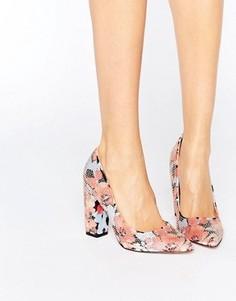 Туфли на блочном каблуке с цветочным принтом Little Mistress - Мульти