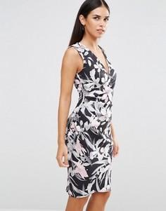 Платье-футляр без рукавов с тропическим принтом Vesper - Розовый
