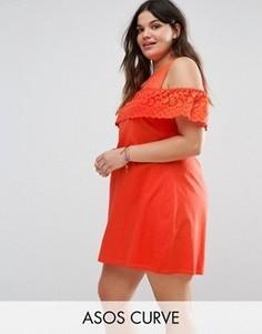 Платье-сарафан с открытыми плечами и ажурной отделкой ASOS CURVE - Красный