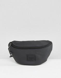 Черная сумка-кошелек на пояс из прорезиненного материала ASOS - Черный