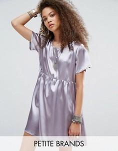 Короткое приталенное платье из атласа Glamorous Petite - Серебряный