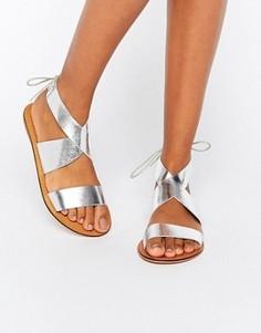 Кожаные сандалии на шнуровке ASOS FRECKLES - Серебряный