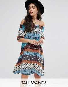 Цельнокройное платье с открытыми плечами и геометрическим принтом Glamorous Tall - Мульти