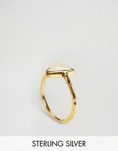 Кольцо с лунным камнем в треугольной оправе Carrie Elizabeth - Золотой