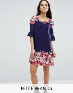 Свободное платье с рюшами на рукавах и принтом Yumi Petite - Темно-синий