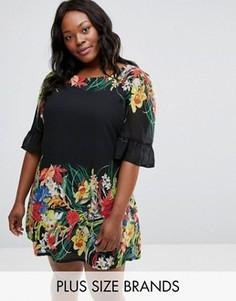 Свободное платье с оборками на рукавах и принтом Yumi Plus - Черный