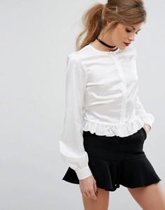 Атласная рубашка с завязкой и баской Fashion Union - Кремовый