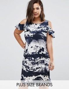 Платье с вырезами на плечах, рюшами и принтом тай-дай AX Paris Plus - Синий