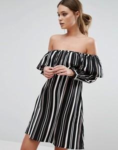 Платье в полоску с оборкой Influence - Черный