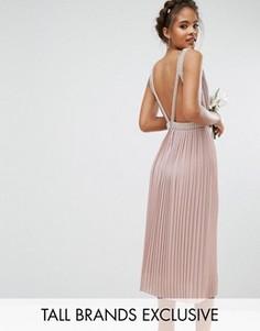 Приталенное платье миди для выпускного с открытой спиной TFNC Tall Wedding - Розовый
