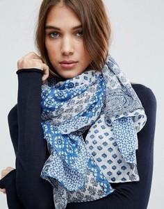 Синий оversize-шарф с платочным принтом ASOS - Синий